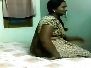 North Indian Calcutta Village Desi Cougar Old Matures Horny Duo Oil Rubdown